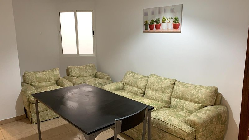 Beautiful apt in Granada & Wifi, location de vacances à Villamena
