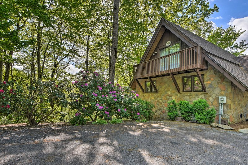 Treat yourself to an amazing Georgia experience with this Sky Valley vacation re
