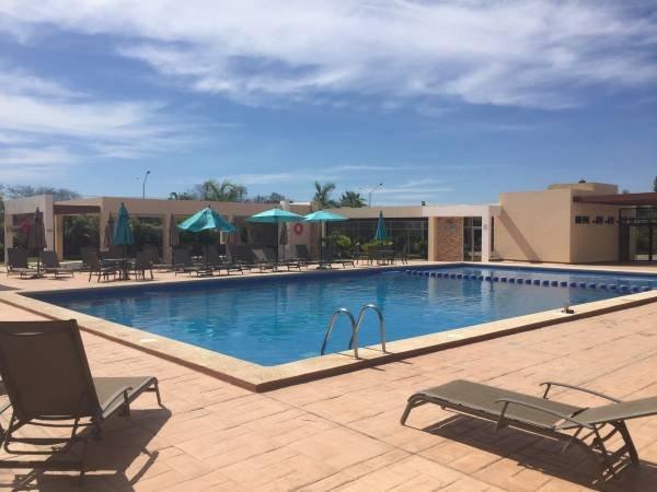 amazing Pool, Lounge Area and Picnic Area.