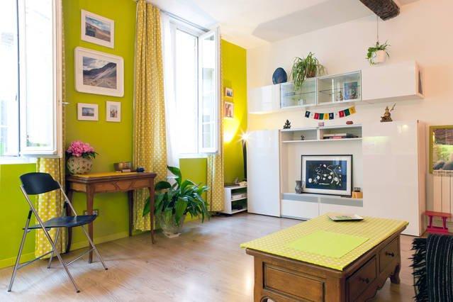 cozy apartment: living room