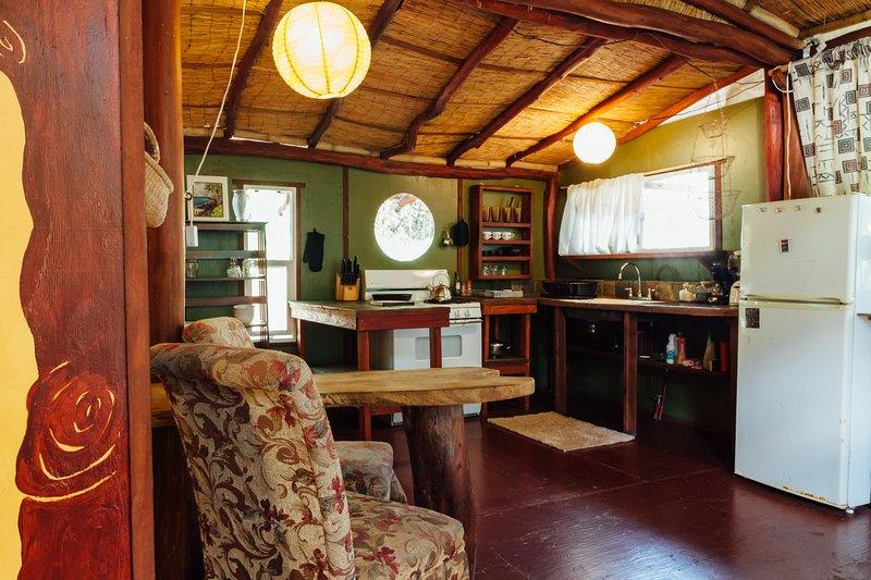Tropical Tree Guest Cottage near Pahoa Hawaii, alquiler vacacional en Kalapana