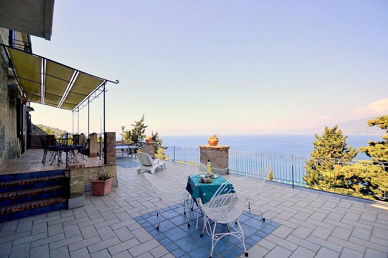 Belvedere Villa Sleeps 2 - 5791707, holiday rental in Palinuro