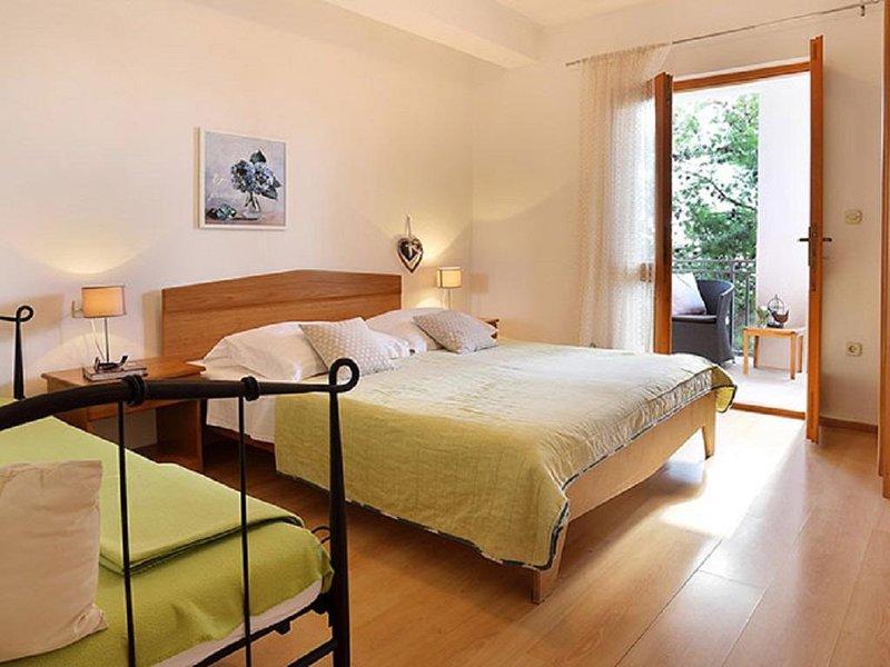 One bedroom apartment Sveta Nedilja, Hvar (A-17139-a), casa vacanza a Sveta Nedilja