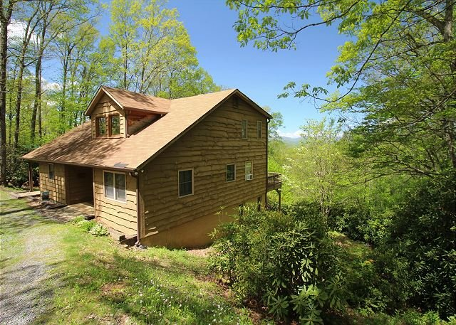 NOW BOOKING! Mountain Ridge -  5 BDRM/3 BA HOME W/ MTN VIEWS & GAME RM, holiday rental in Fleetwood
