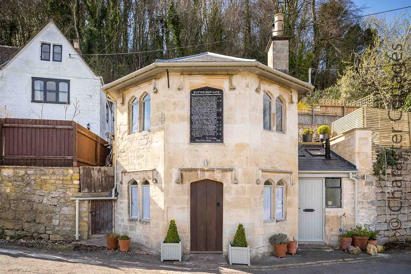 Butterrow Gate is a former toll house in the vibrant market town of Stroud, location de vacances à Minchinhampton