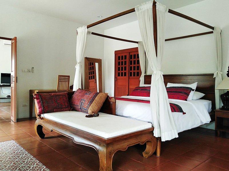One bedroom Villa w/Lake view, 2BA, Living room, Kitchen & Pool -V4, holiday rental in Doi Saket