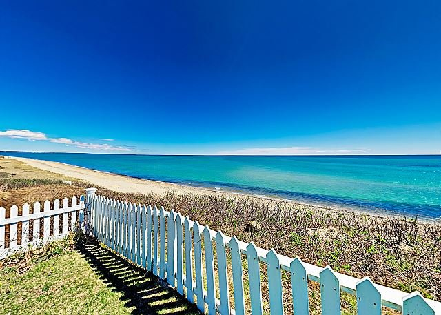 Upscale Cottage in the Heart of South Cape Cod, Walk to Beach & Marketplace, holiday rental in Mashpee