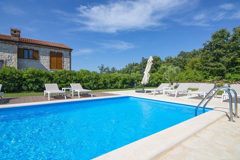Villa Paradis 14 in Istria con piscina di 32 m2 / Villa Paradis 14 in Istria con piscina di 32 m2