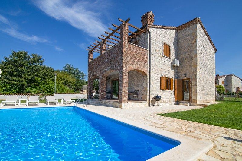 Villa Paradis 14 in Istria with 32 m2 pool / Villa Paradis 14 in Istrien mit 32 m2 Pool