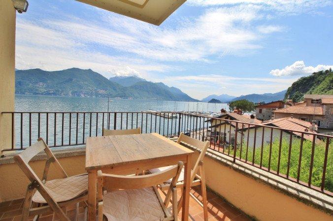 Residenza Menaggio - Mimosa, vacation rental in Menaggio