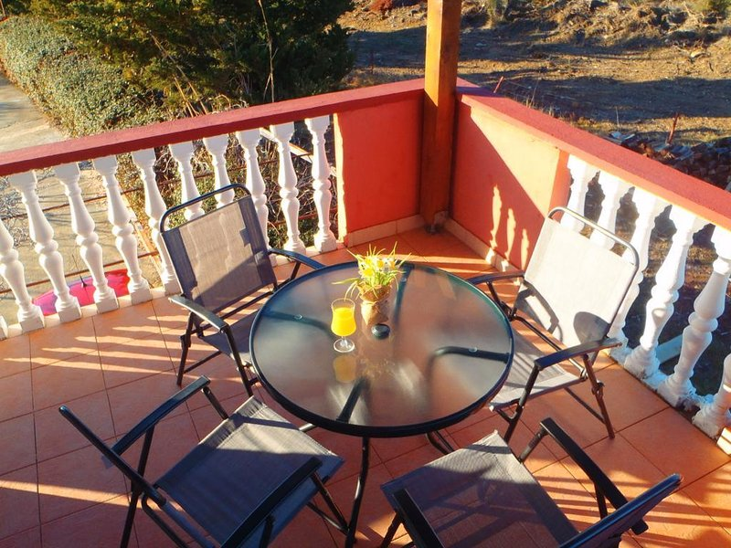 Ljubac Apartment Sleeps 6 with Pool and Air Con - 5472379, holiday rental in Ljubac