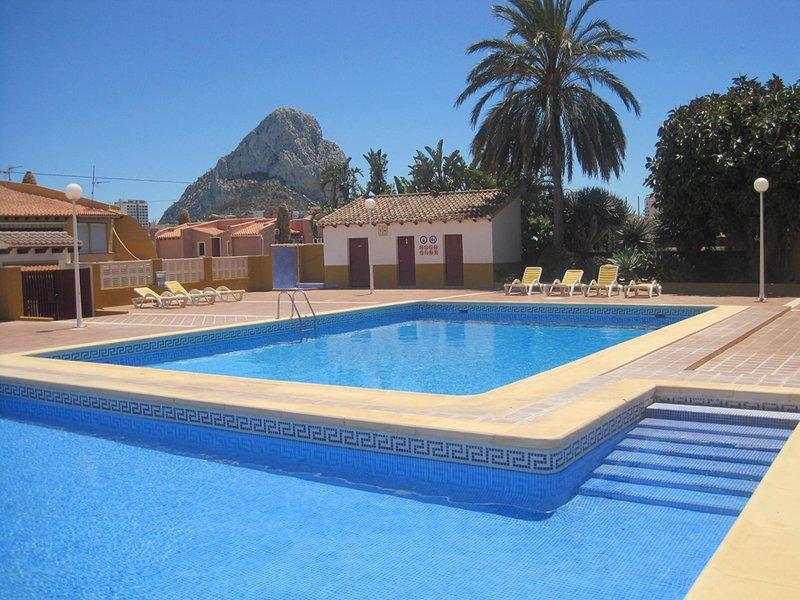 Rez-de-ch.-terrace100m2-plage-BBQ-piscine-tennis, holiday rental in Calpe