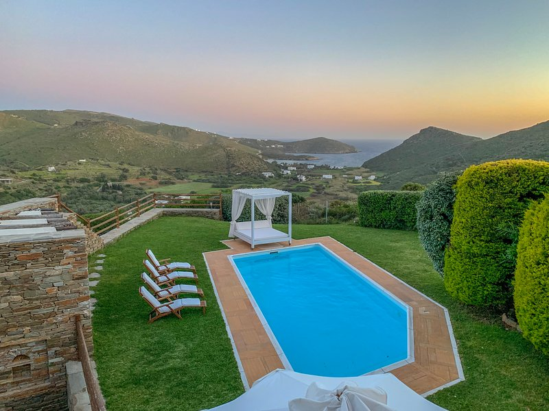 Heliades Villas, holiday rental in Andros