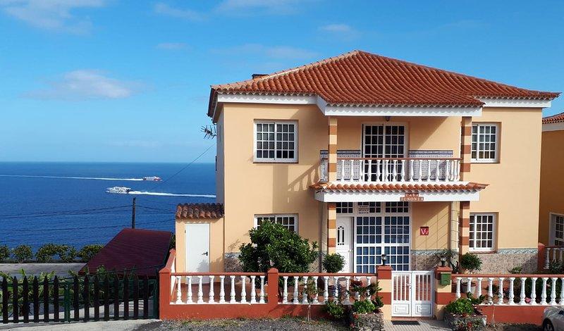 Casa Junonia, con Balcón, Centro A, holiday rental in Playa de Santiago