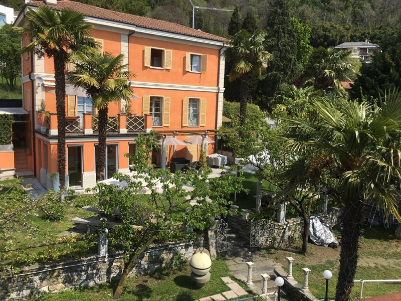 Gelsomino 1 apartment with lake view and beach, location de vacances à Fondotoce