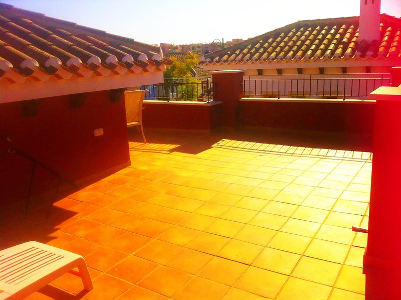 Spacious 2 bed villa on resort for 4 people, vacation rental in Las Torres de Cotillas