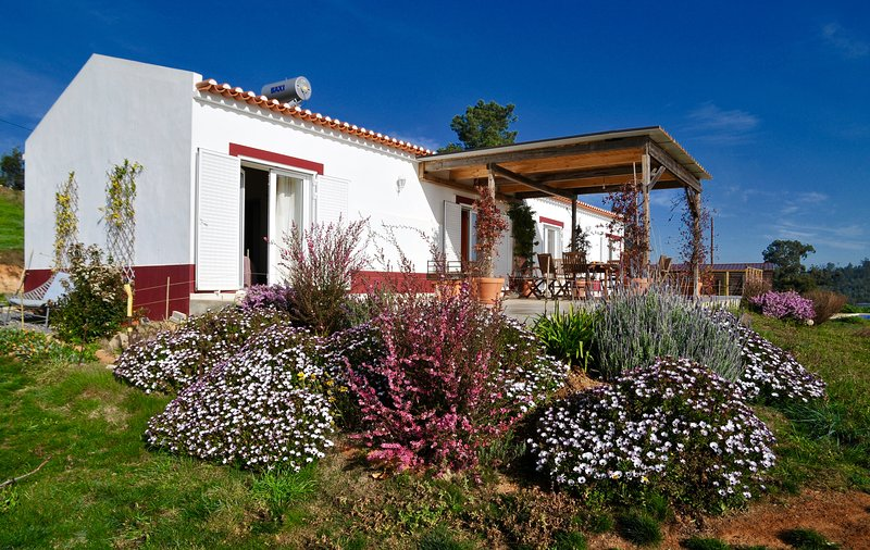 Spacious villa with swimming-pool, vacation rental in Sao Luis
