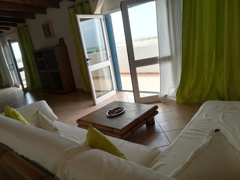 T1 penthouse Praia Estoril, Sal Rei, Boa Vista, Cabo Verde, holiday rental in Santa Monica
