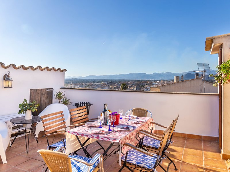 Mallorca traditional townhouse holiday in Llubi, holiday rental in Llubi