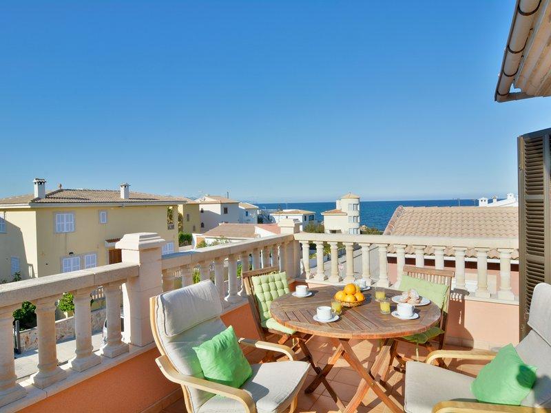 Son Serra beach apartment sea views and terrace, holiday rental in Son Serra de Marina