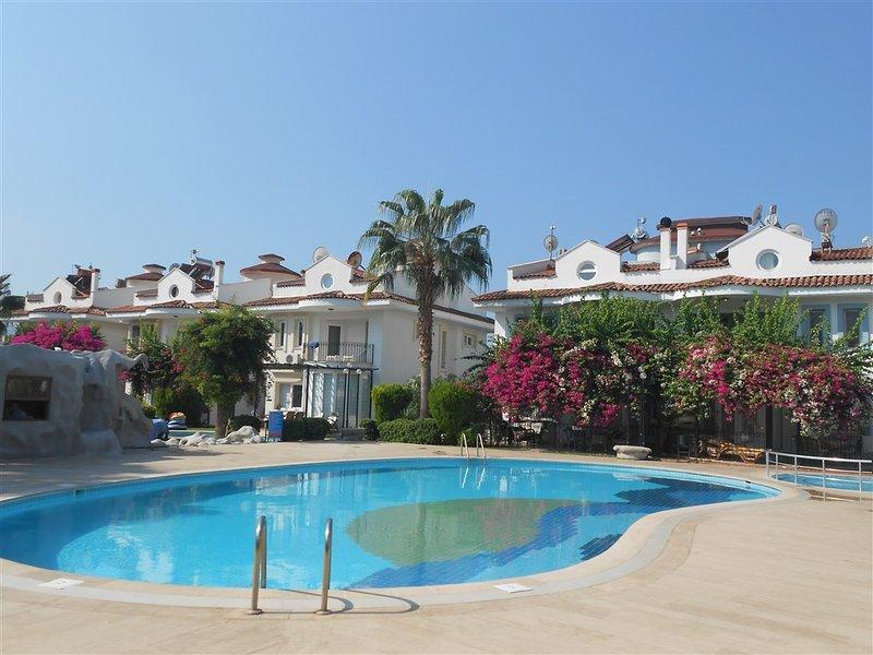 piscina condominiale comune
