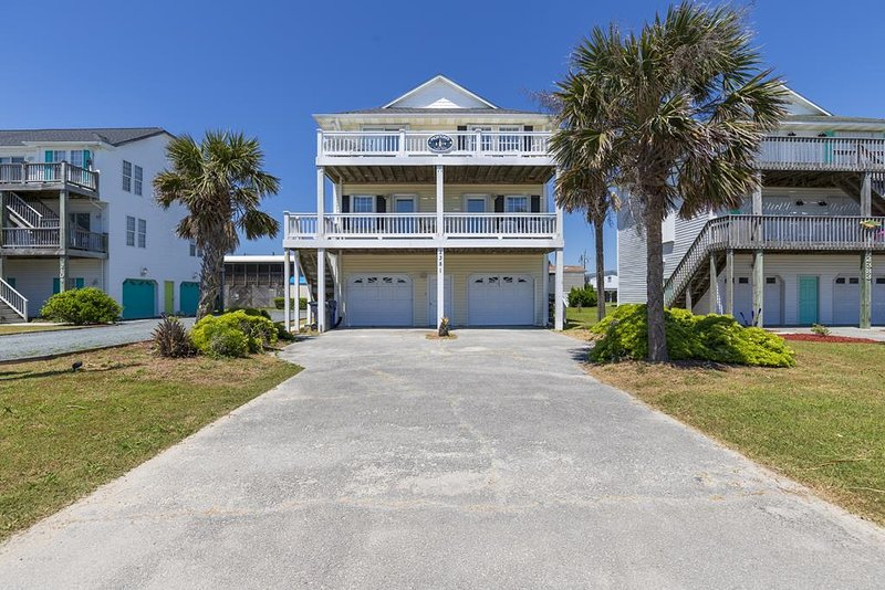 2381 Island Drive