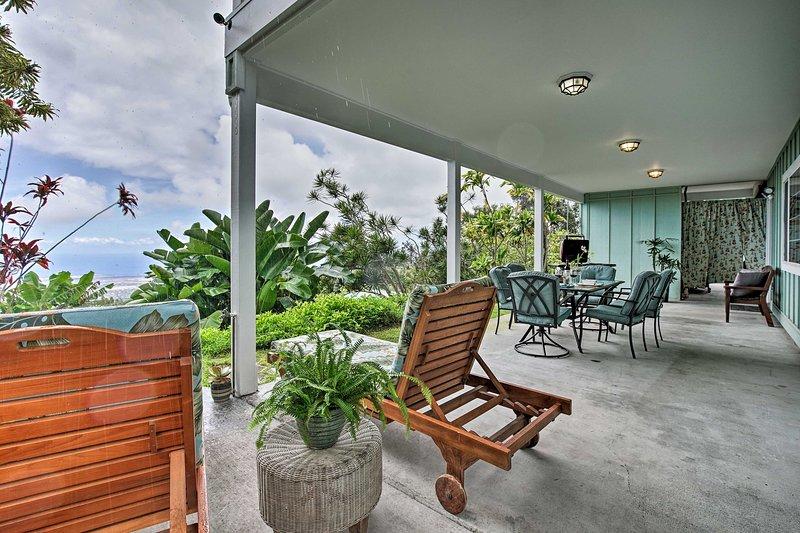 Kalaoa HideAway w/Ocean Views - 10 Mins to Kailua, vacation rental in Kailua-Kona