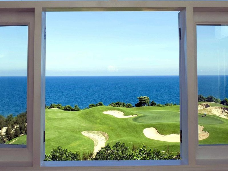 We have Many Villa whith many view . Same as View sea, view golf, view hill ...