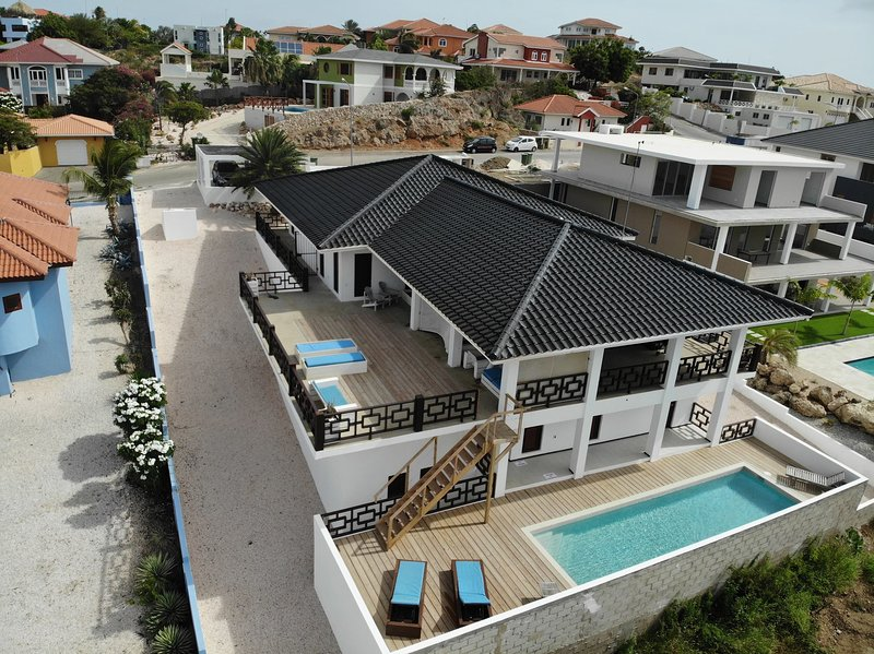 Villa Mi Cuna Curacao - group vacations, holiday rental in Willemstad