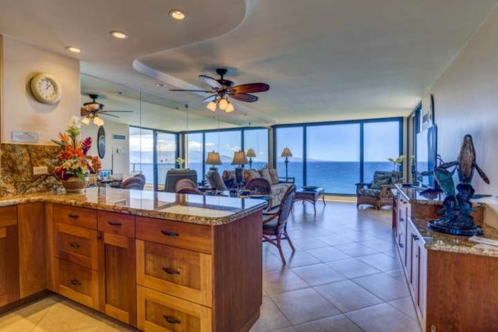 The Perfect Maui Retreat - Direct oceanfront  Mahana - 11th Floor 1 bedroom/1 ba, vacation rental in Ka'anapali