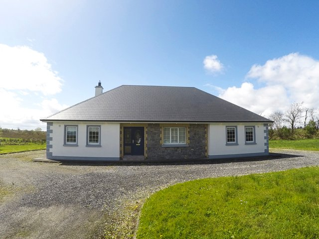 Gurteen, County Sligo - 16163, vacation rental in County Sligo
