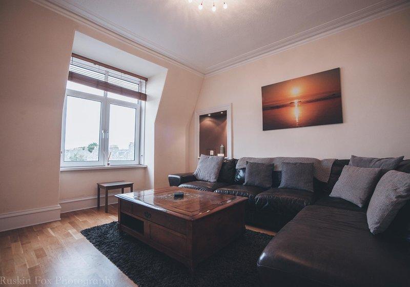 Prime 2 Bedroom City Centre Apartment, holiday rental in Balmedie
