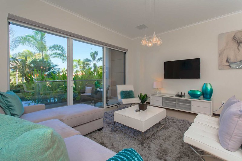 Steps from EAGLE BEACH - LEVENT RESORT - Pearl Garden 2BR condo - LV103, vacation rental in Aruba