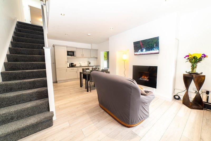 Kinvara  House , New modern built 3 bedroom townhouse in Killarney Town, holiday rental in Headford
