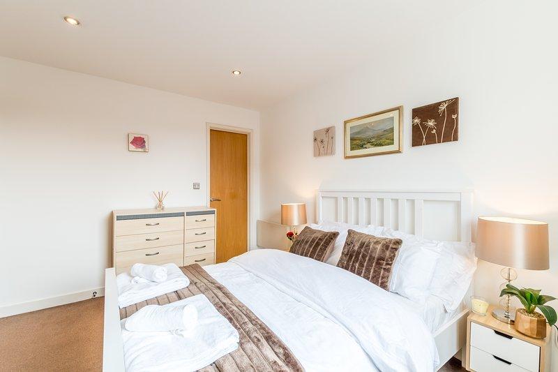 en-suite relaxing bedroom