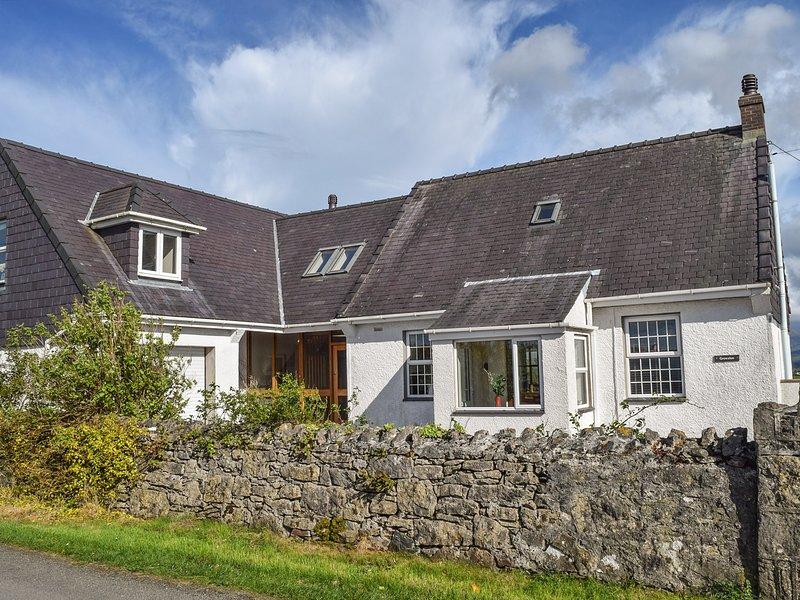 GROESLON, spacious, luxury accommodation, pet-friendly, in Penmynydd, Ref. 18544, holiday rental in Llanfairpwllgwyngyll