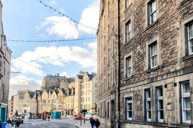 View from outside the flat - Edinburgh Castle / Grassmarket