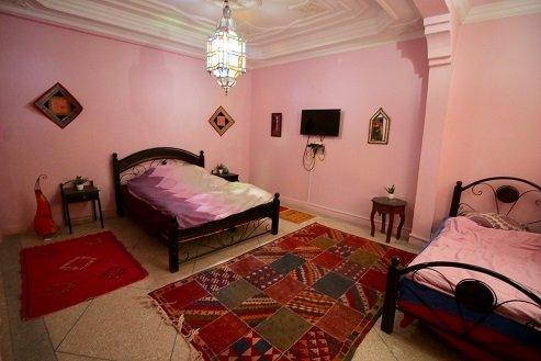 Cosy room in guest house, location de vacances à Tamraght