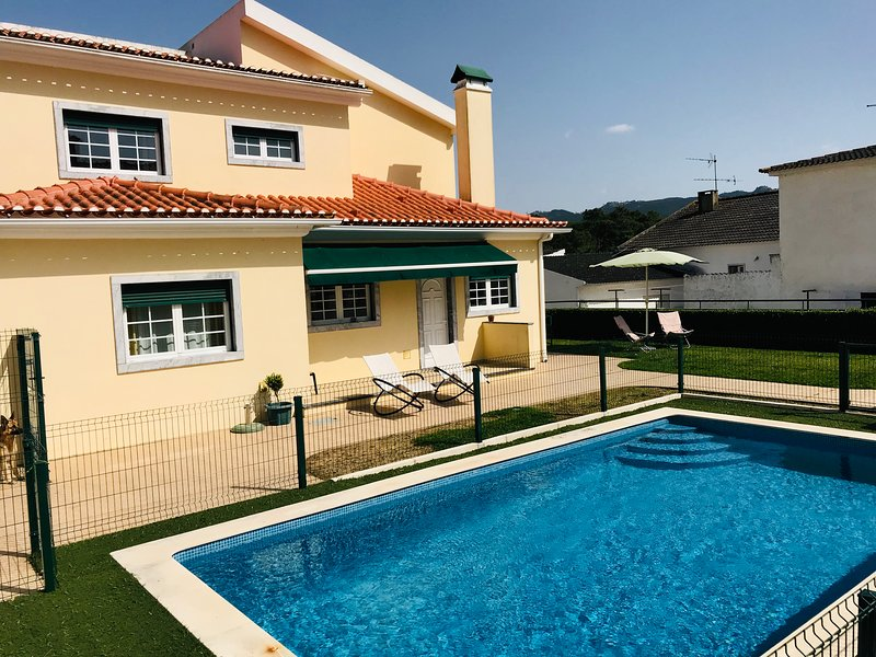 The Pool Just by the Door, holiday rental in Azoia