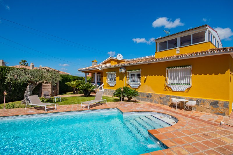Cubo's Villa El Sauce, location de vacances à Alhaurin de la Torre