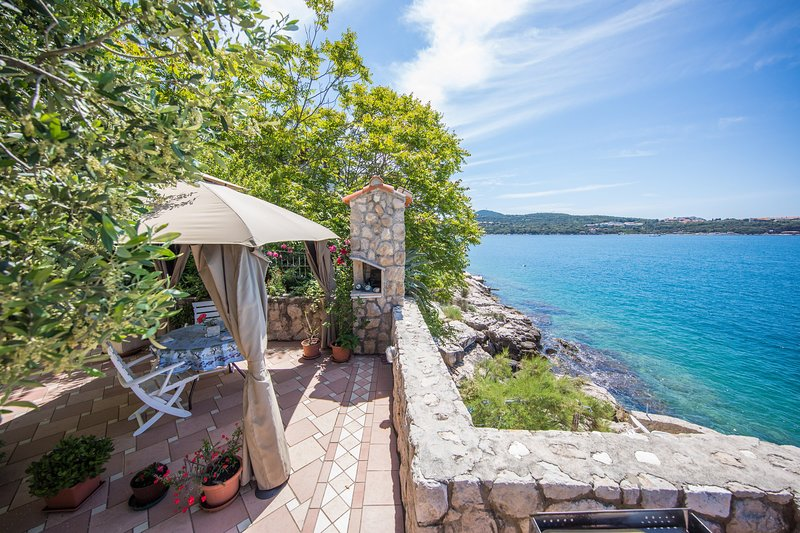 Apartment with private beach - UPDATED 2019 - Holiday ...