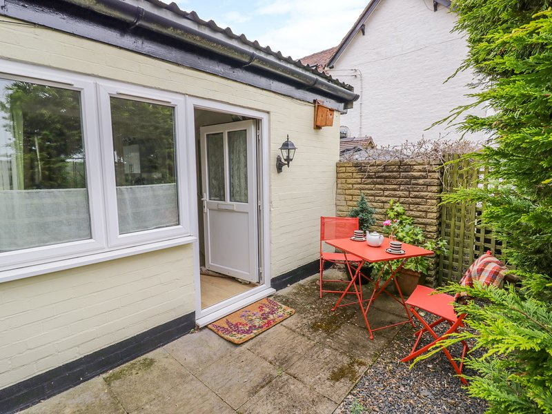 THE OLD STABLE, off-road parking, near Far Forest, vacation rental in Cleobury Mortimer