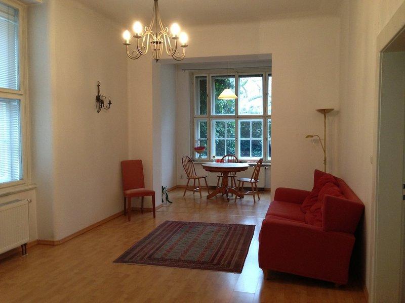 Hradcany 2 bedroom garden apartment in the Castle District, vacation rental in Kladno