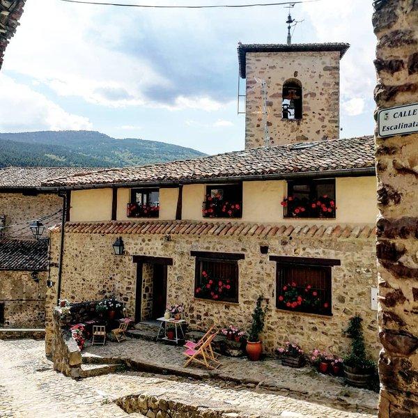 Preciosa casa Rural con vistas, holiday rental in Pradillo