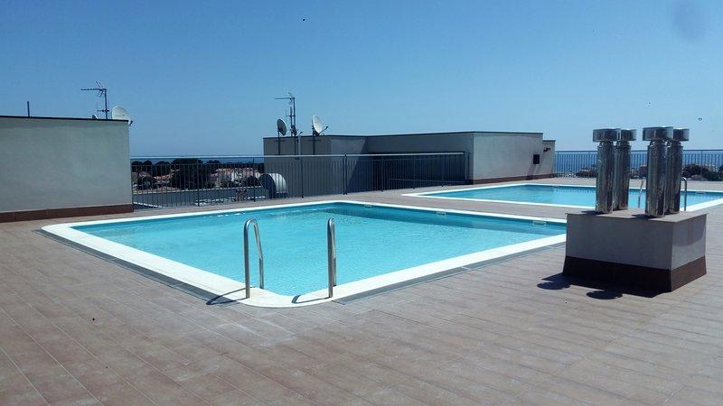 00396-Comodo apartamento con piscina comunitaria, vacation rental in L'Hospitalet de l'Infant