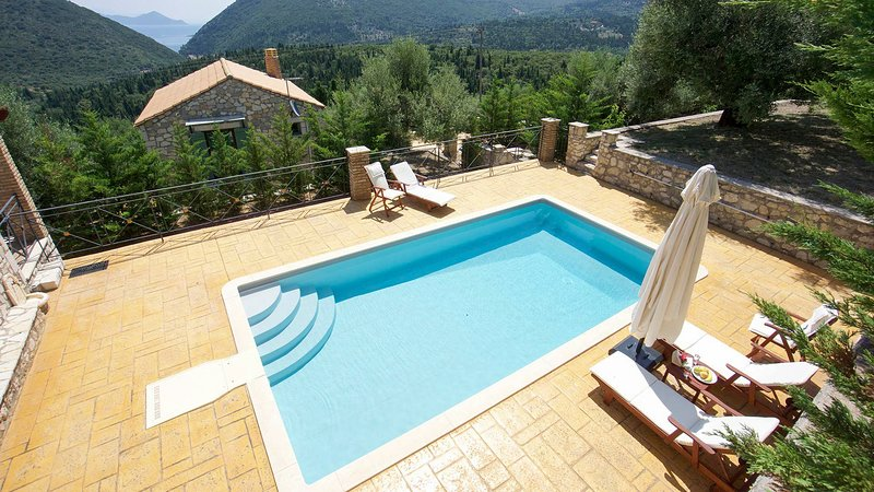 Pilikata Villa Sleeps 4 with Pool and Air Con - 5792256, holiday rental in Ithaca