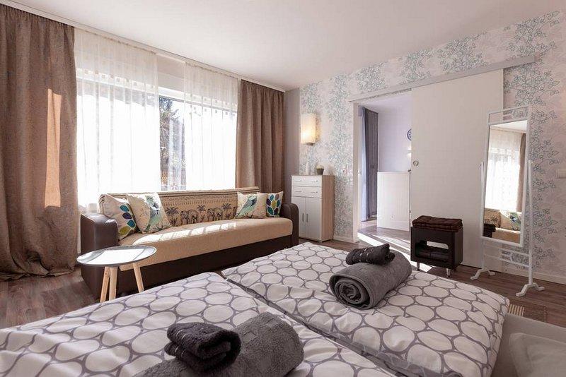 Ferienwohnungen A&S im Mittelrheintal (Erdgeschoss - Wohnung 'Berlin'), holiday rental in Rech