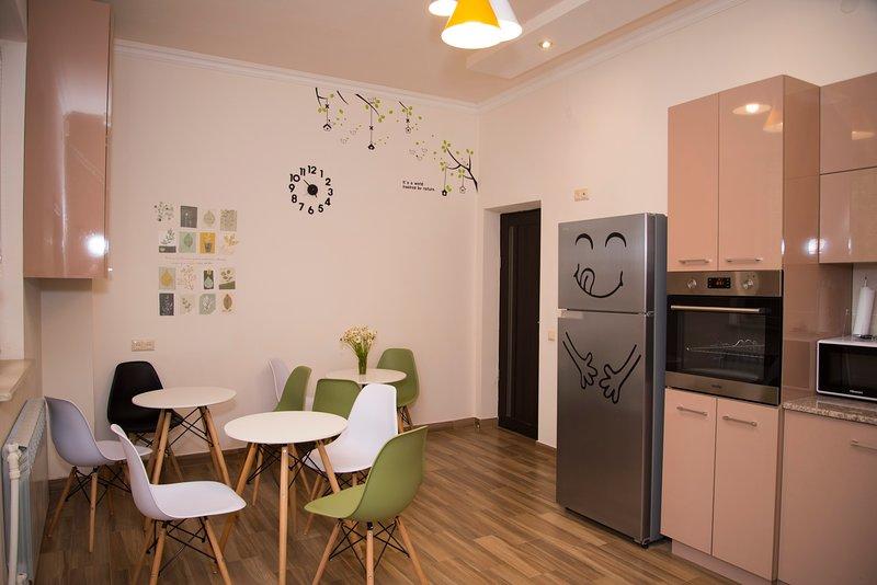 KaTun Hostel, vacation rental in Garni