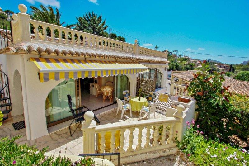 Anita - holiday bungalow with sew view in Teulada, aluguéis de temporada em Teulada