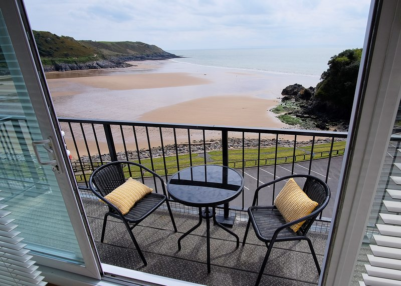 Redcliffe , Caswell Bay., holiday rental in Swansea County